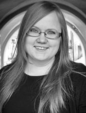 Jenni Saari - Valokuvaaja: Heini Lehväslaiho