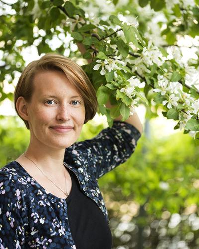 Sonja Lehtomäki, Graafinen suunnittelija | Muotoiluagentti